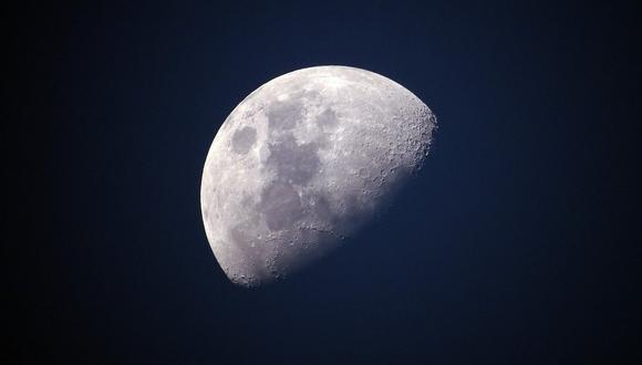 La NASA confirma que hay agua en la Luna.